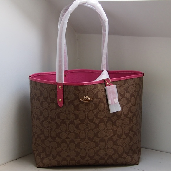 Coach Handbags - NEW! Coach Reversible City Tote Sig Canvas & Pouch
